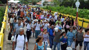 lacalle.com .ve acnur declaro a migrantes venezolanos como refugiados ante todos los paises del mundo gale venezolanos cruzan a colombia 1920 1