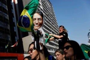 ermitanos evangelicos generales violentos y apunalados brasil y las elecciones del delirio 1